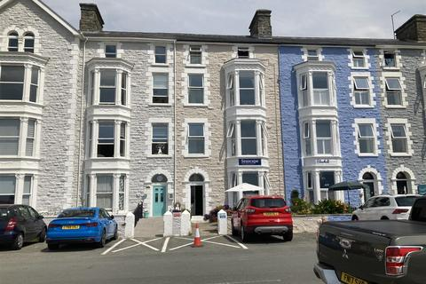 11 bedroom house for sale - Marine Parade, Barmouth