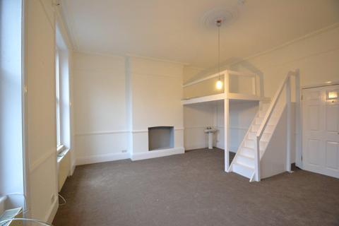 3 bedroom house share to rent - Uxbridge Road, Shepherds Bush, W12
