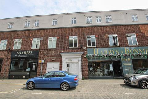 Studio for sale - St. Thomas Road, Brentwood