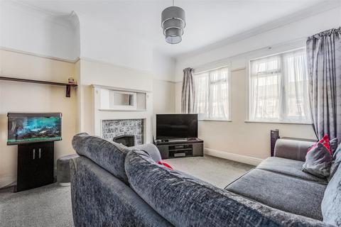 2 bedroom apartment to rent - Field End Road, Pinner