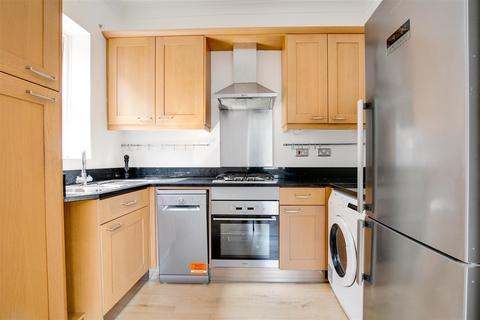 2 bedroom flat to rent - Ellesmere Road, London