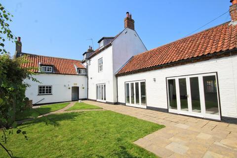 5 bedroom detached house for sale - Highgate, Cherry Burton, Beverley