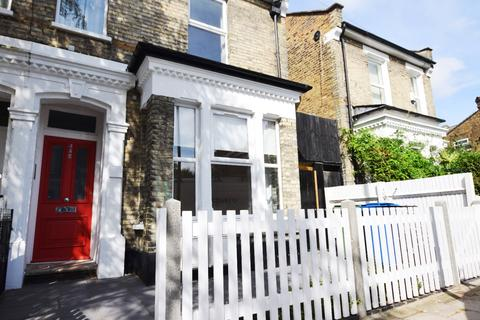 1 bedroom flat to rent - Tresco Road Peckham SE15