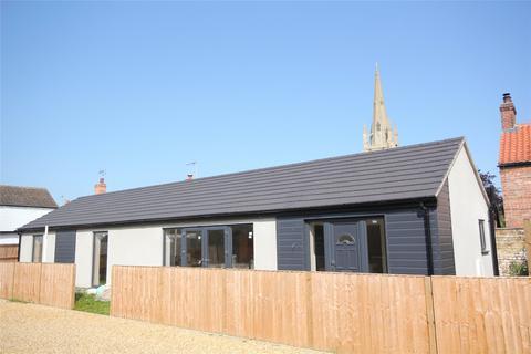 2 bedroom detached bungalow for sale - High Street, Helpringham, NG34