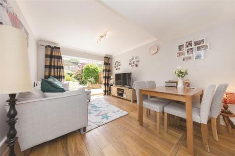 2 bedroom flat for sale - Lysia Street, SW6
