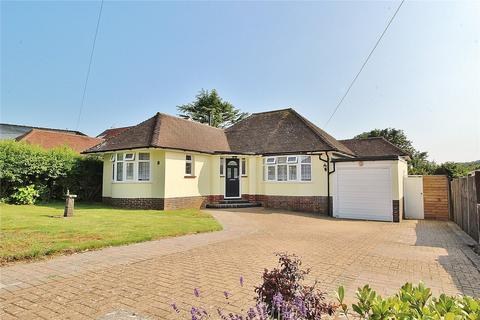 3 bedroom bungalow for sale - Cissbury Avenue, Findon Valley, Worthing, West Sussex, BN14
