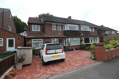 5 bedroom semi-detached house for sale - Eddisbury Avenue Flixton