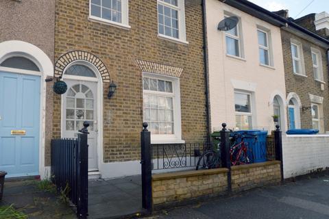 3 bedroom terraced house to rent - Kirkwood Road London SE15