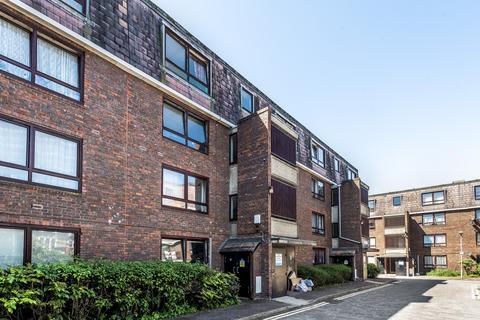 2 bedroom flat for sale - Stanswood Gardens London SE5
