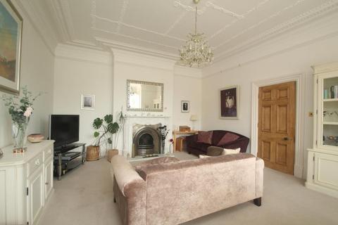 2 bedroom apartment to rent - PARK AVENUE, HARROGATE, HG2 9BQ