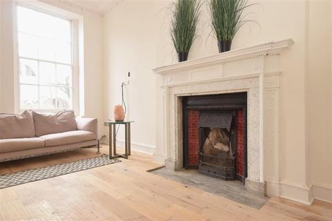 1 bedroom ground floor flat for sale - High Street, Arundel, West Sussex