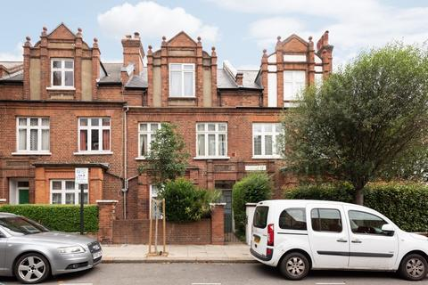 3 bedroom apartment to rent - Agincourt Road, NW3