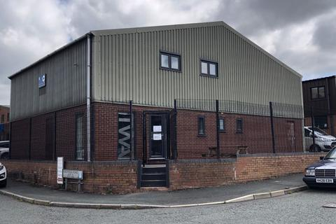 Office to rent - Greenfield Farm Industrial Estate, Congleton