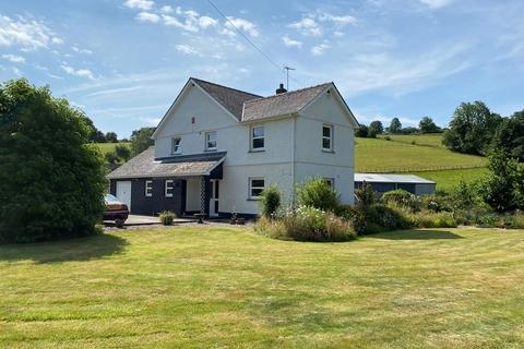 4 bedroom property with land for sale - Llwynygroes, Tregaron, SY25