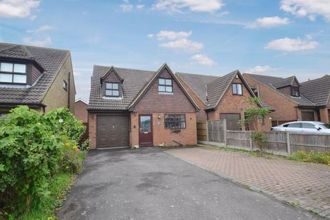 4 bedroom detached house for sale - Queens Road, Minster On Sea