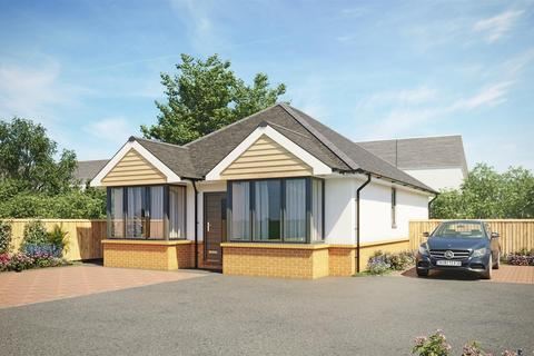 2 bedroom detached bungalow for sale - Horsham Avenue, Kinson, Bournemouth