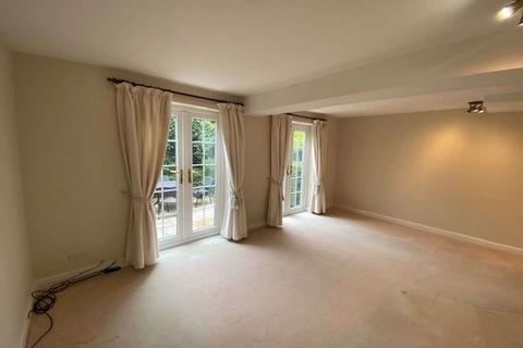 3 bedroom townhouse to rent - 20 Curzon Mews, W/s, SK9 5JN