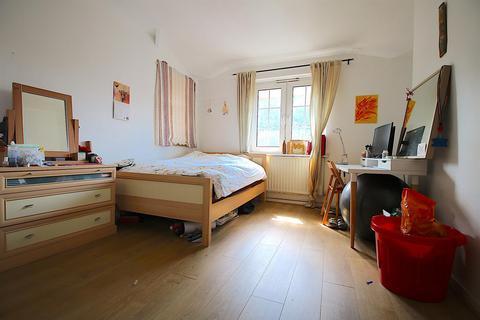 2 bedroom flat to rent - Lowood Street, London