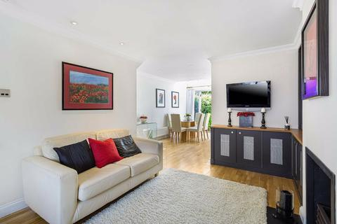 2 bedroom house to rent - Connaught Mews, Fulham, London, SW6