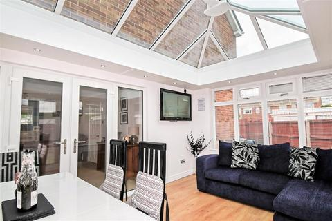 3 bedroom semi-detached house for sale - Cotterdale, Hull