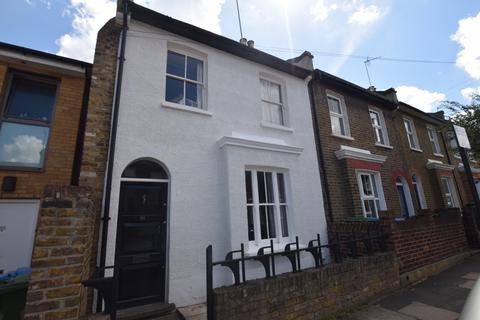 3 bedroom terraced house to rent - Calvert Road London SE10