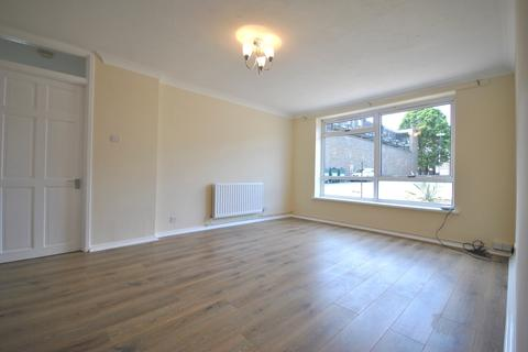 2 bedroom flat to rent - Baring Road London SE12