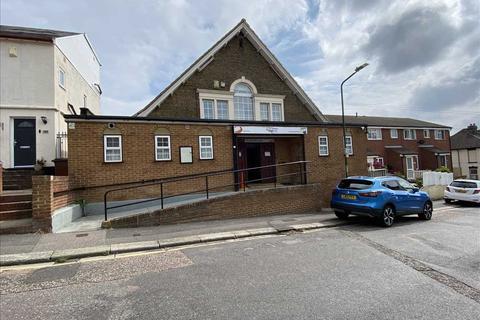 Property to rent - Brompton Lane, Strood