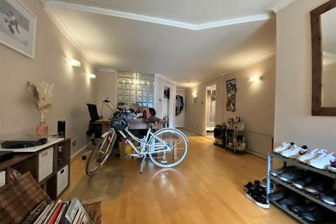 1 bedroom apartment to rent - Sanctuary Court, Reardon Path, London, E1W