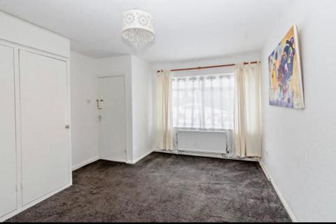 1 bedroom flat to rent - Yeading Court