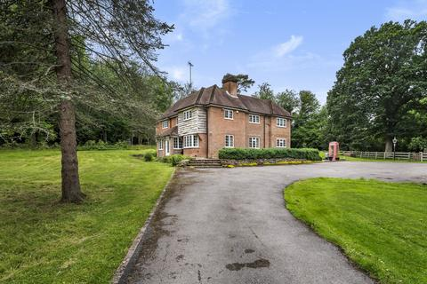 6 bedroom detached house for sale - Swaines Hill, Alton, Hampshire, GU34