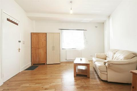 Studio to rent - The Ride, ENFIELD, Middlesex, EN3