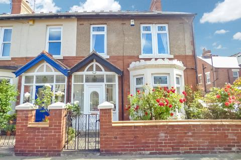 3 bedroom terraced house for sale - Cliftonville Gardens, Whitley Bay, Tyne and Wear, NE26 1QL