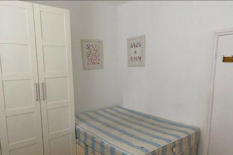 Studio to rent - Yeldham road, W6