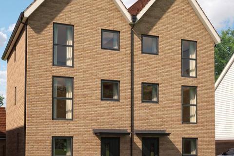 3 bedroom townhouse for sale - Plot 58, Rose at Davington Fields, Western Link, Faversham, Kent ME13