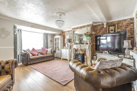4 bedroom semi-detached house for sale - Bedonwell Road, Bexleyheath DA17