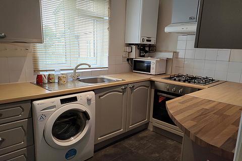 3 bedroom semi-detached house to rent - GUILD ROAD, CHARLTON, LONDON SE7