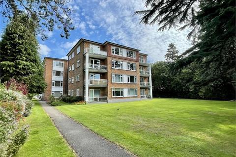 3 bedroom flat for sale - Gadbridge Court, 31 West Cliff Road, West Cliff