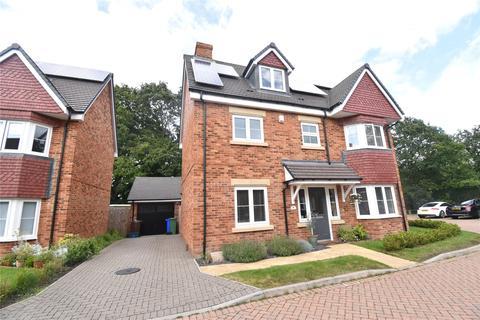4 bedroom detached house for sale - Dartford End, Farnborough, Hampshire, GU14