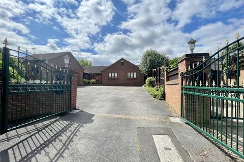 3 bedroom detached bungalow to rent - Old Epperstone Road, Lowdham, Nottingham