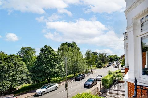 2 bedroom apartment for sale - Clapham Common West Side, London, SW4