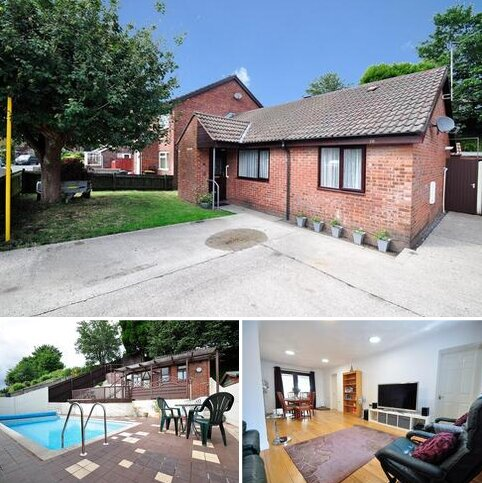 3 bedroom terraced bungalow for sale - St. Brides Gardens, Newport