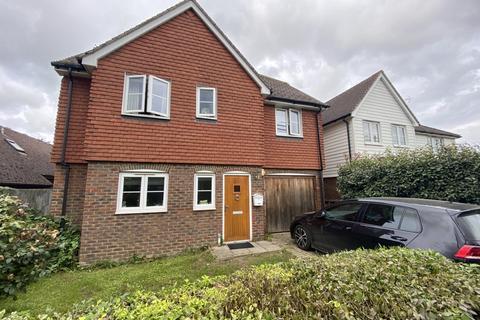 4 bedroom detached house to rent - Maxted Close Tonbridge TN12