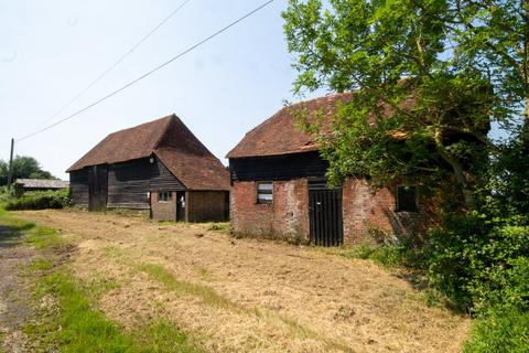 5 bedroom property with land for sale - Pound Green Lane, Etchingwood