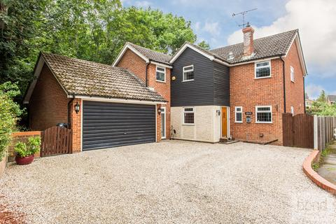 4 bedroom detached house for sale - Well Lane, Danbury, CM3