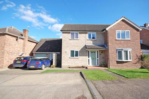 4 bedroom detached house for sale - Philips Close, Rayne, Braintree