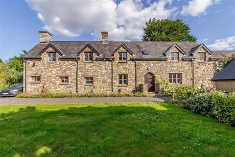 5 bedroom detached house for sale - Pontypool, Monmouthshire
