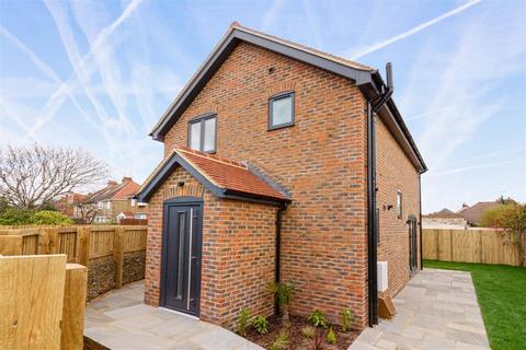 2 bedroom detached house for sale - Stone Lane, Worthing