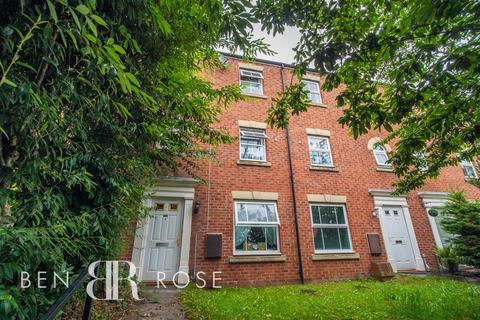 4 bedroom townhouse for sale - Great Park Drive, Leyland