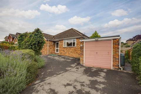 3 bedroom detached bungalow for sale - Southfield Drive, Hazlemere, HP15 7HB - NO CHAIN!