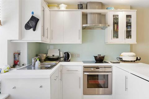 2 bedroom apartment to rent - Hallam Street, London